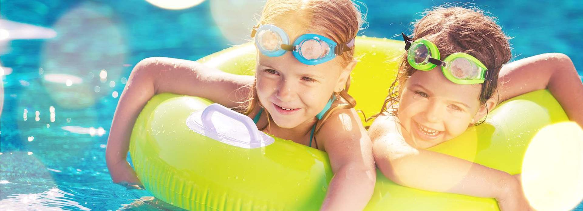 Kids Enjoy in Swimmingpool in Orlando, Florida Resort